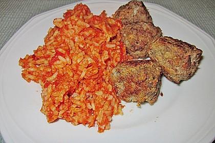 Griechische Hackbällchenspieße mit Fetakern und Tomatenreis 25