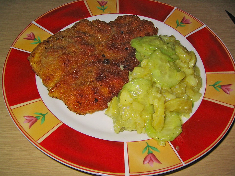 wiener schnitzel mit kartoffel gurken salat rezept mit bild. Black Bedroom Furniture Sets. Home Design Ideas