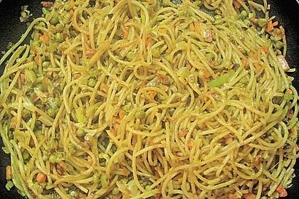 Gebratene Nudeln mit Gemüse, asiatisch 5