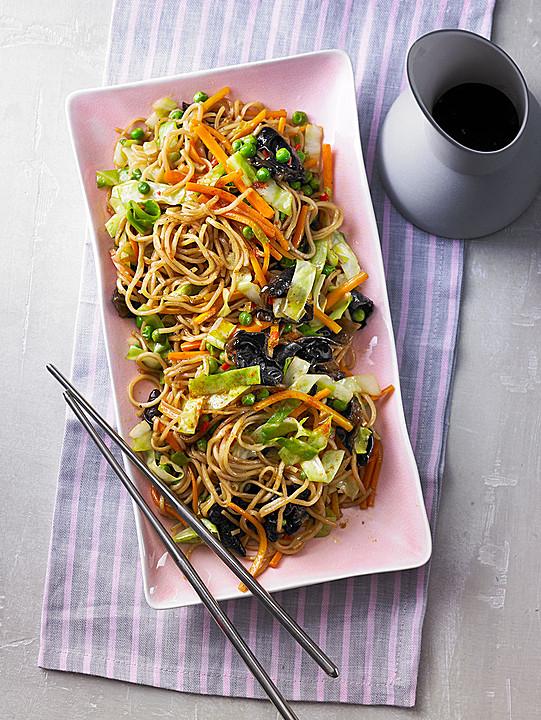 Gebratene Nudeln mit Gemüse, asiatisch von Schmim | Chefkoch.de