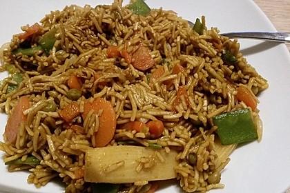 Gebratene Nudeln mit Gemüse, asiatisch 7
