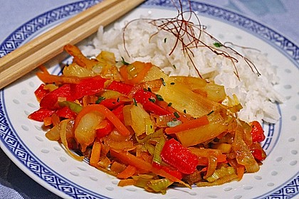 Asiatisch - scharfe Gemüsepfanne mit Ananas 0