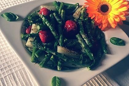 Spargel-Erdbeersalat 53