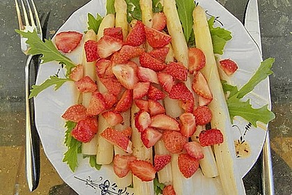 Spargel-Erdbeersalat 49