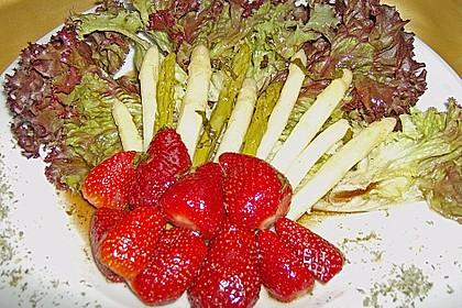Spargel-Erdbeersalat 58