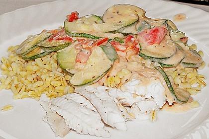 Fisch mit Zucchini - Tomatensauce