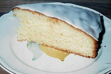 Saftiger Zitronenkuchen 20