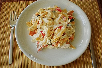 Butternudeln mit Lachs und Mozzarella