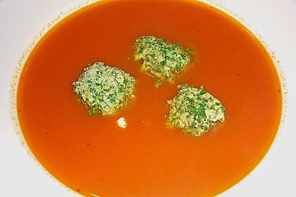 Klare Tomatensuppe mit Petersilienklößchen 7