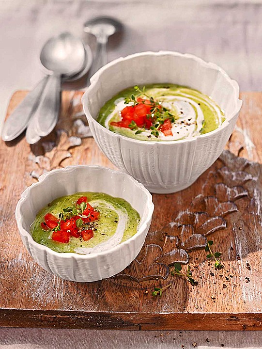 ibu 39 s kalte zucchini joghurt suppe rezept mit bild. Black Bedroom Furniture Sets. Home Design Ideas