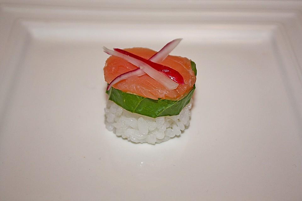 nigiri sushi mit ger uchertem lachs von aloha cg. Black Bedroom Furniture Sets. Home Design Ideas