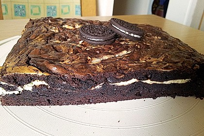 Oreo Brownies with Cream Cheese Swirls 4
