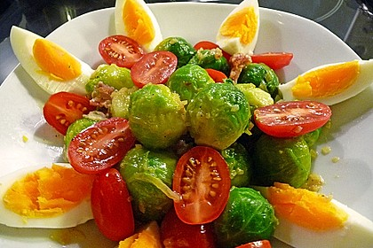 Rosenkohlsalat mit Eier und Speck 2