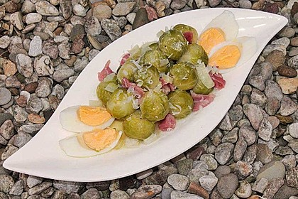 Rosenkohlsalat mit Eier und Speck 5