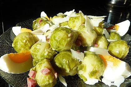 Rosenkohlsalat mit Eier und Speck 3