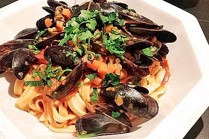 Miesmuscheln in Tomatensoße auf italienische Art 1