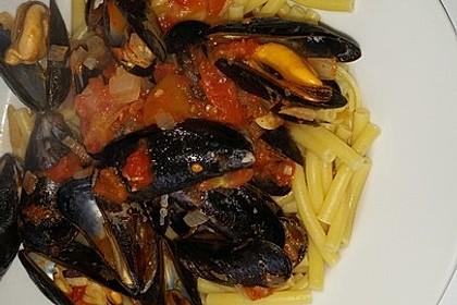 Miesmuscheln in Tomatensoße auf italienische Art 4
