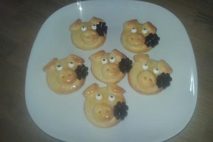 Glücksschweinchen aus Quark - Öl - Teig 25