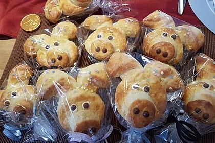Glücksschweinchen aus Quark - Öl - Teig 26