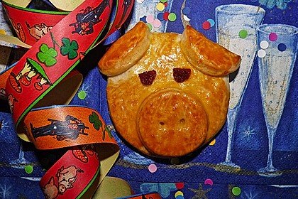 Glücksschweinchen aus Quark - Öl - Teig 4