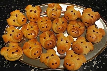 Glücksschweinchen aus Quark - Öl - Teig 5