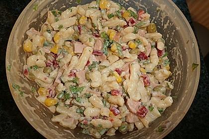 Schnibbelsalat mit Sternchennudeln 1