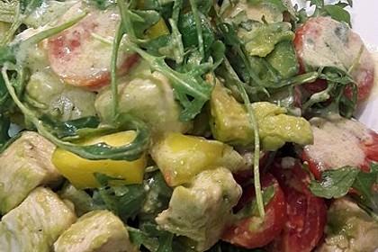 Mango-Avocado-Salat mit Hühnerstreifen, Rucola und Tomaten 43