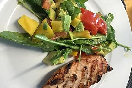 Mango-Avocado-Salat mit Hühnerstreifen, Rucola und Tomaten 44