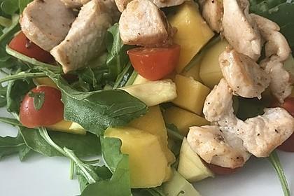 Mango-Avocado-Salat mit Hühnerstreifen, Rucola und Tomaten 41