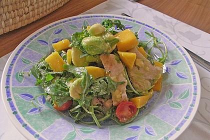 Mango-Avocado-Salat mit Hühnerstreifen, Rucola und Tomaten 37
