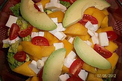 Mango-Avocado-Salat mit Hühnerstreifen, Rucola und Tomaten 52