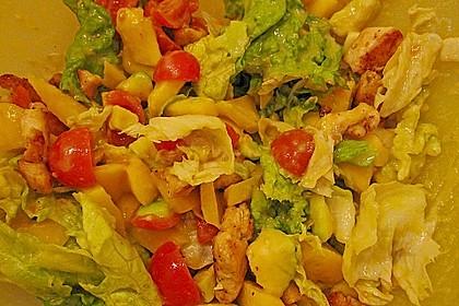 Mango-Avocado-Salat mit Hühnerstreifen, Rucola und Tomaten 56