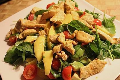 Mango-Avocado-Salat mit Hühnerstreifen, Rucola und Tomaten 5