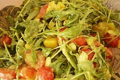 Mango-Avocado-Salat mit Hühnerstreifen, Rucola und Tomaten 58