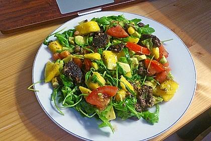 Mango-Avocado-Salat mit Hühnerstreifen, Rucola und Tomaten 40