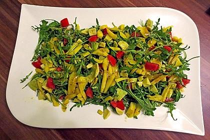 Mango-Avocado-Salat mit Hühnerstreifen, Rucola und Tomaten 24