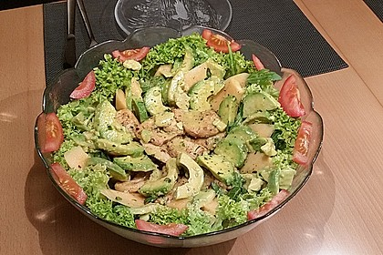 Mango-Avocado-Salat mit Hühnerstreifen, Rucola und Tomaten 54