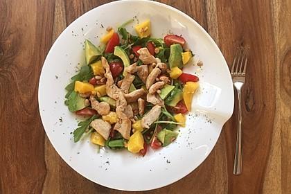 Mango-Avocado-Salat mit Hühnerstreifen, Rucola und Tomaten 9
