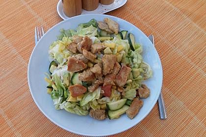 Mango-Avocado-Salat mit Hühnerstreifen, Rucola und Tomaten 38