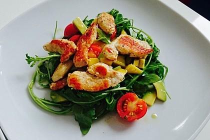 Mango-Avocado-Salat mit Hühnerstreifen, Rucola und Tomaten 18