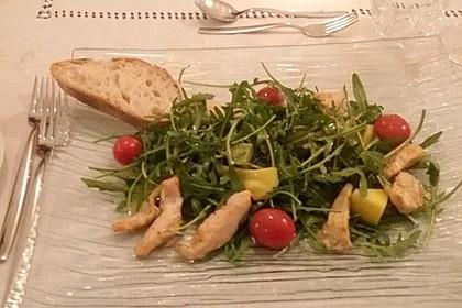 Mango-Avocado-Salat mit Hühnerstreifen, Rucola und Tomaten 47