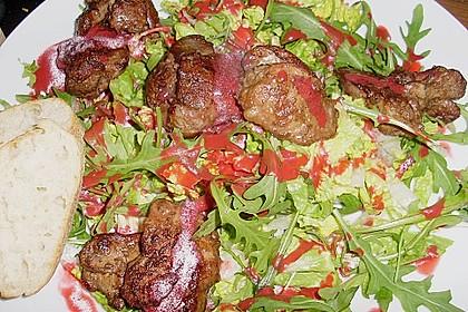 Blattsalate mit Geflügelleber und Himbeervinaigrette 0