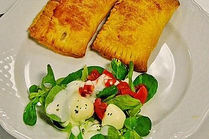 Blätterteigtäschchen mit Spargel - Prosciutto - Mascarpone - Füllung 3