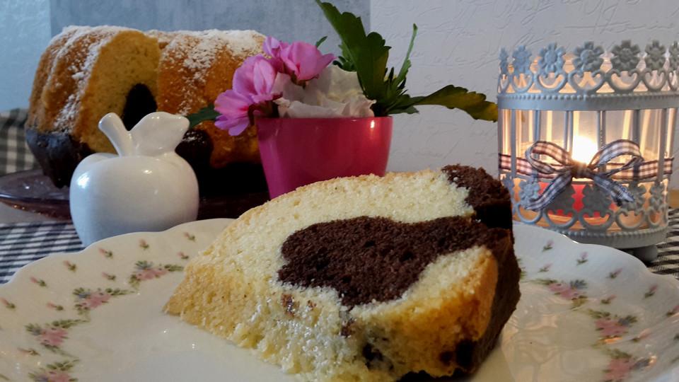 marmorkuchen mit eierlik r und mokkabohnen rezept mit bild. Black Bedroom Furniture Sets. Home Design Ideas
