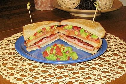 Hühnchen - Avocado - Sandwich