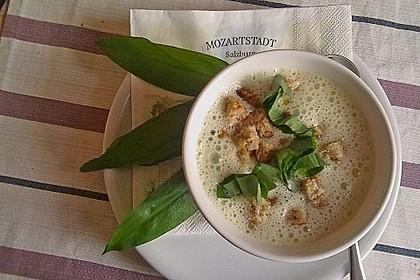 Bärlauch - Sahnesuppe mit Croutons 5