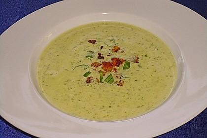 Bärlauch - Sahnesuppe mit Croutons 4