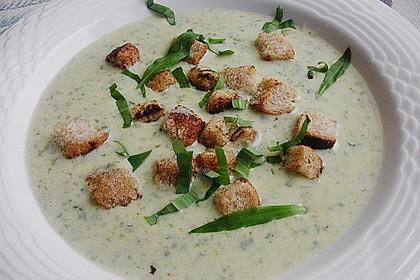 Bärlauch - Sahnesuppe mit Croutons 2