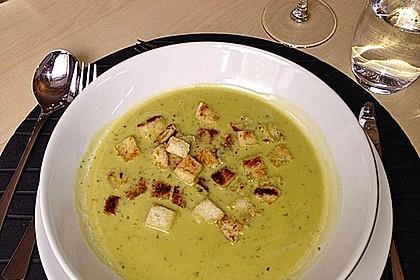 Bärlauch - Sahnesuppe mit Croutons 22