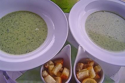 Bärlauch - Sahnesuppe mit Croutons 11